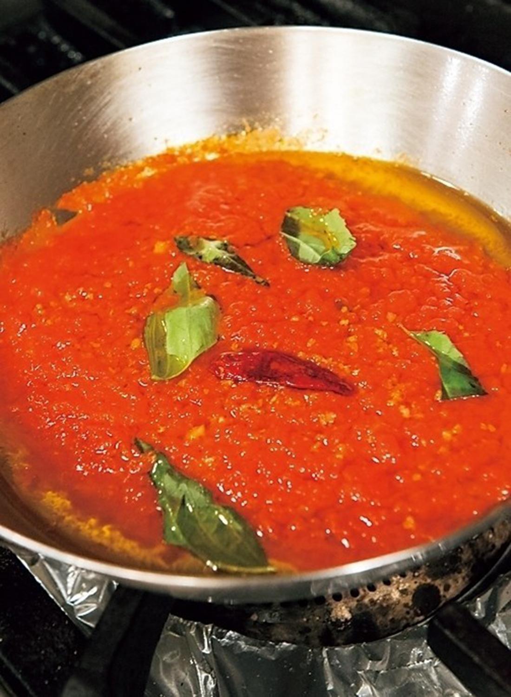 甘み・旨み・酸味のバランスがとれたトマトソース。