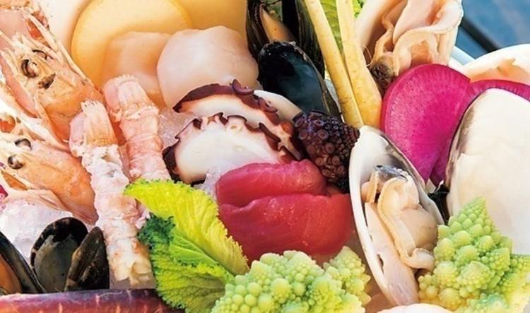 自然豊かな三浦半島・佐島の漁港から届く新鮮な魚介。