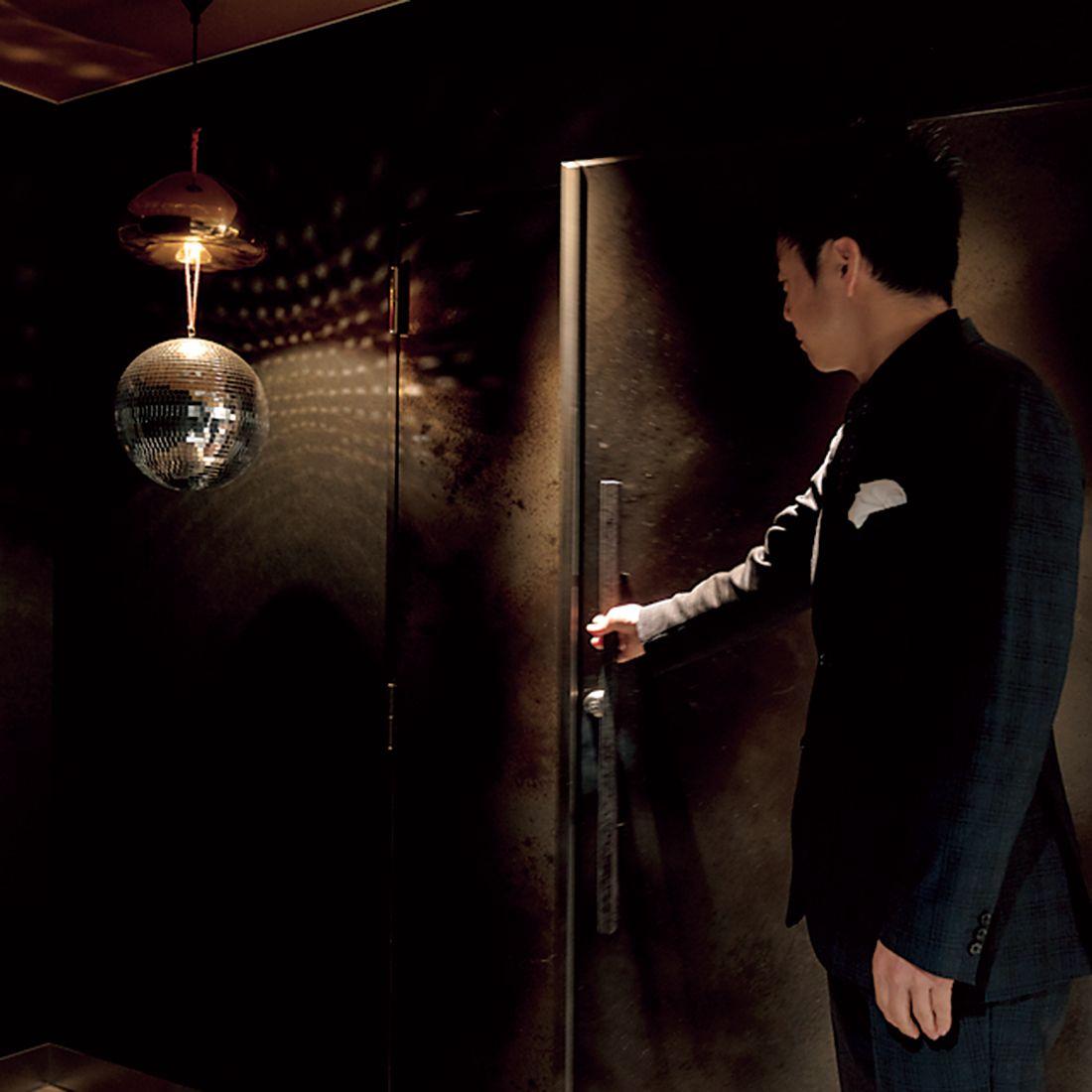 精肉店『黒犇』の奥にある秘密の扉。