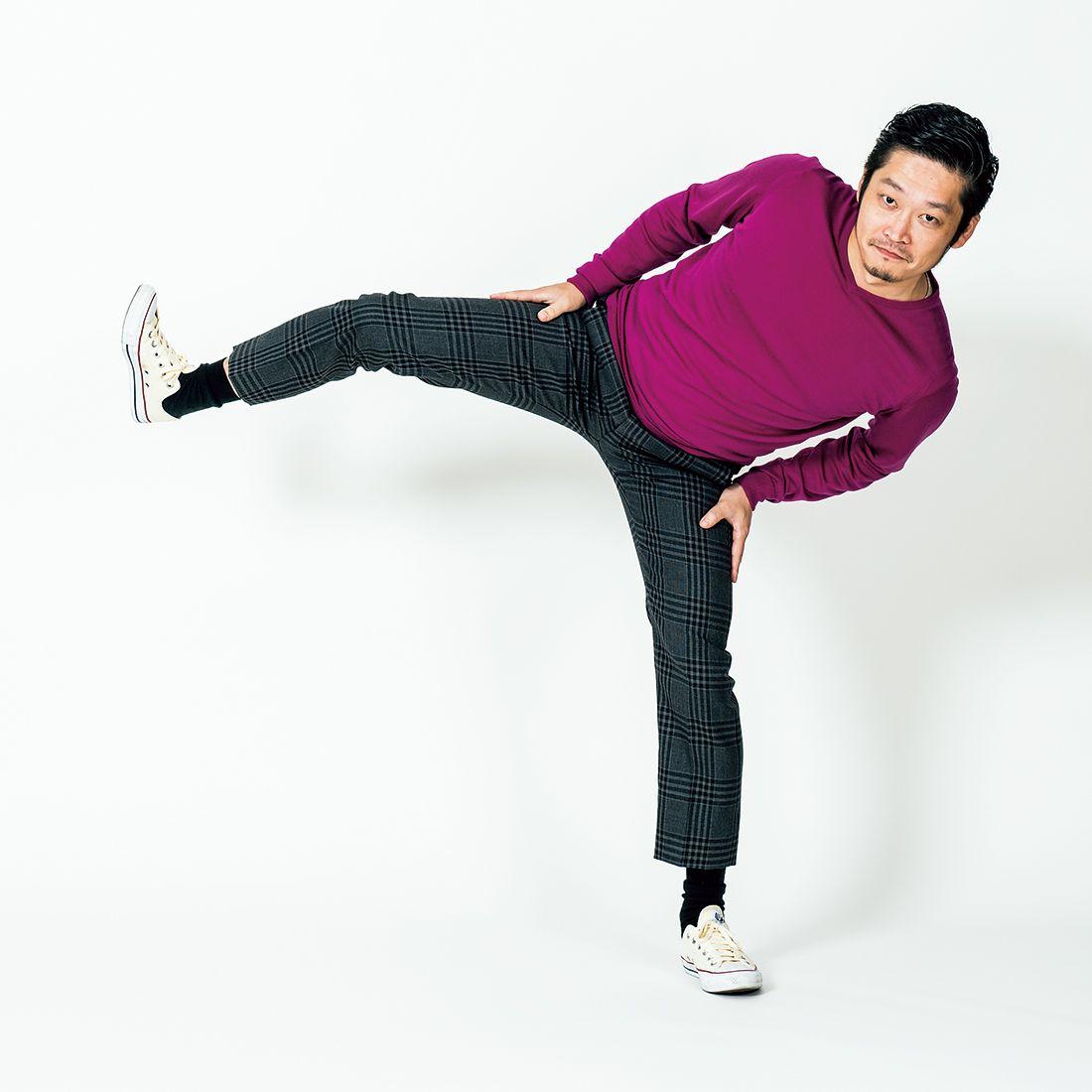 重心を意識して、できるだけ高く脚を上げましょう!