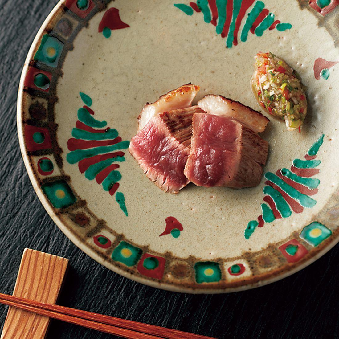 鉄板でじっくり火を入れた鴨肉のステーキ。