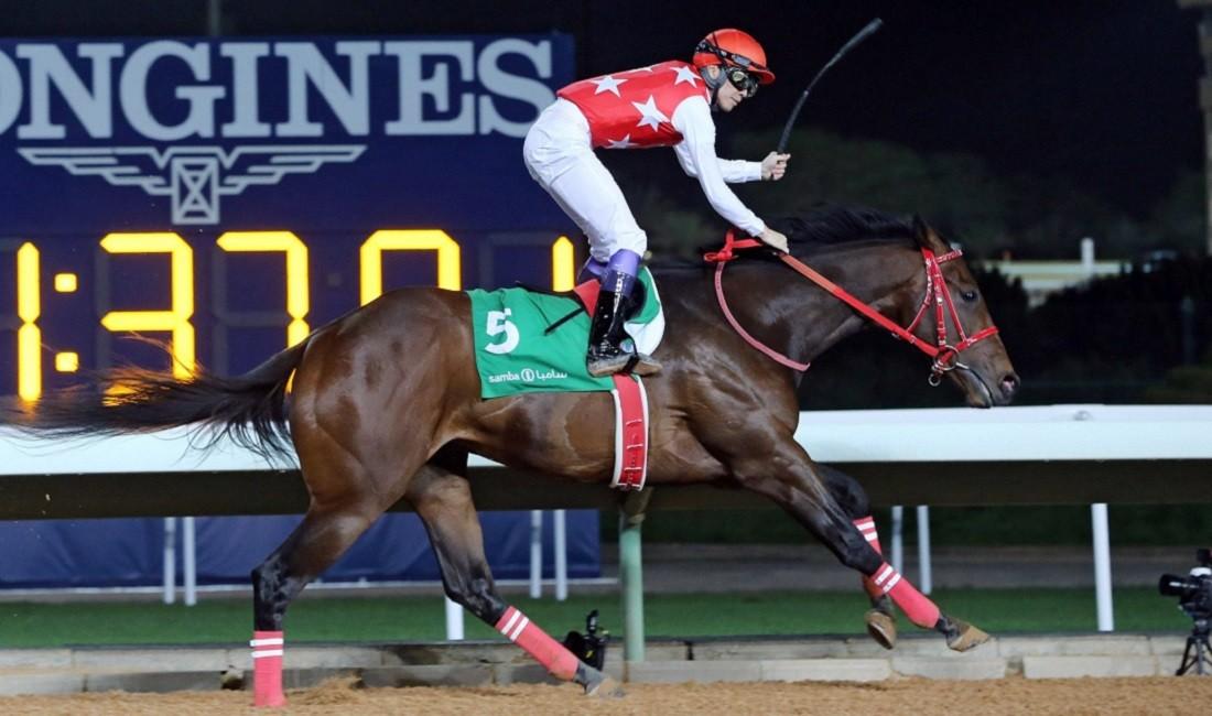 今年2月29日、16ヵ国目の騎乗となったサウジアラビアにて、世界9ヵ国目の勝利をあげた武豊 ©アフロ