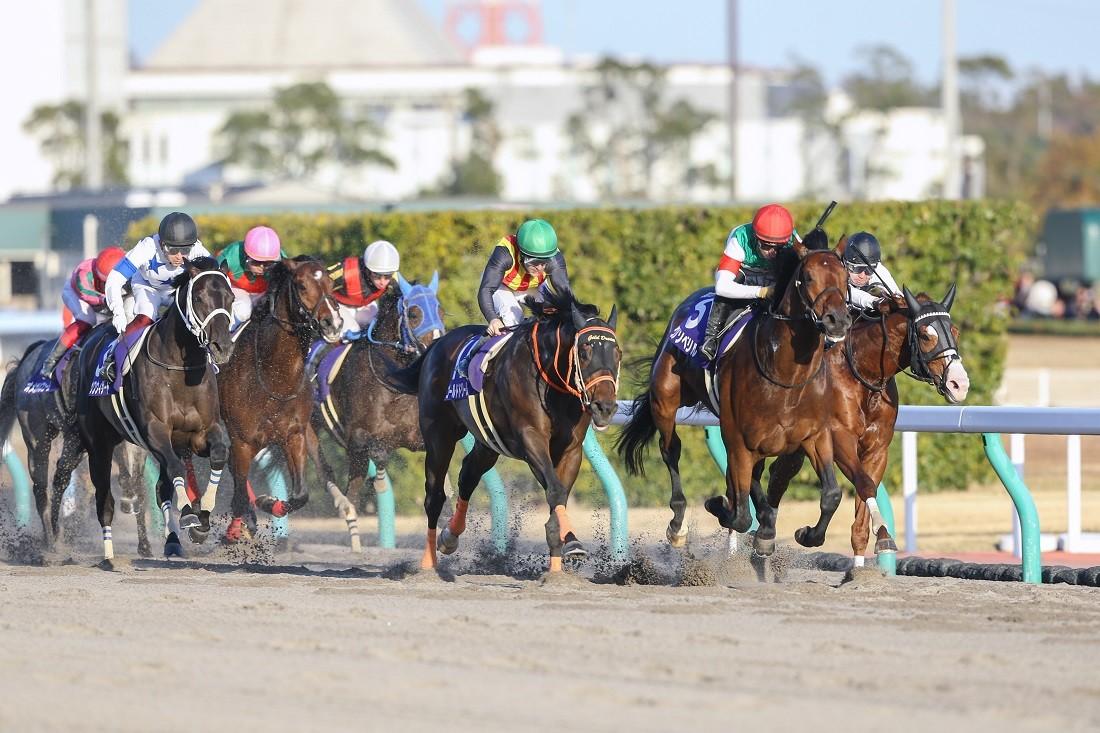 中京競馬場で開催されたG1レース「チャンピオンズカップ」。(一番右に写る)武豊はインティに騎乗して3着。 写真:山根英一/アフロ