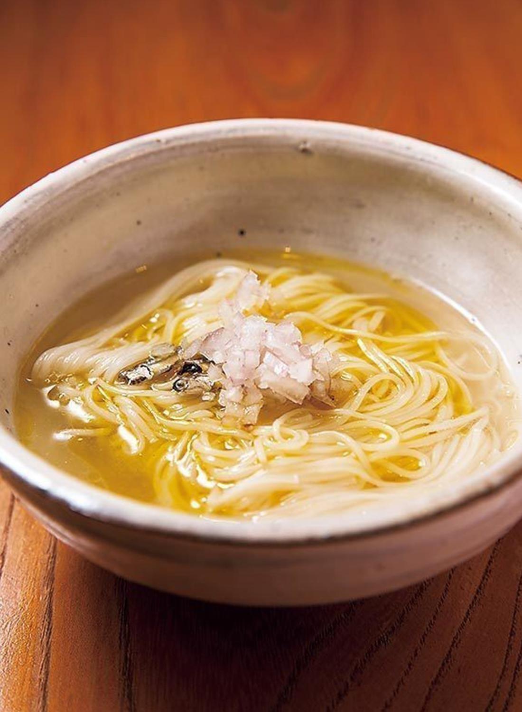 奄美大島の郷土料理をいりこ出汁でにゅうめん風にアレンジ。