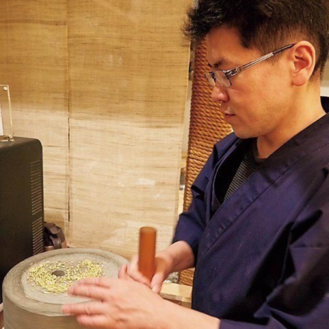 「現代の江戸蕎麦」を追求する、店主の矢守昭久氏。