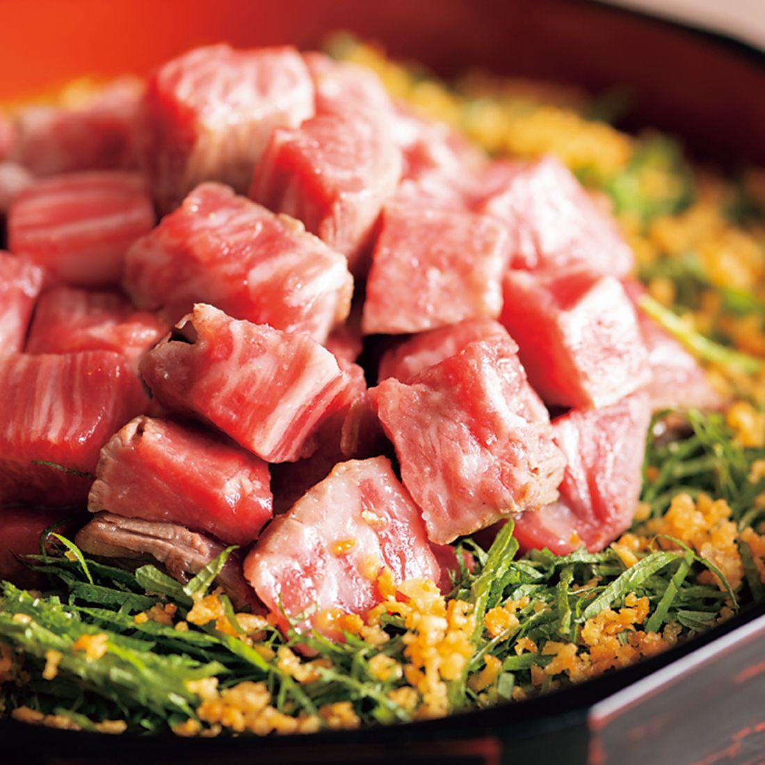 「肉ガーリック炒飯」。