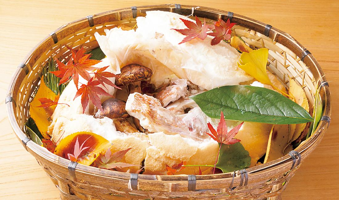 鯛と松茸の塩釡焼
