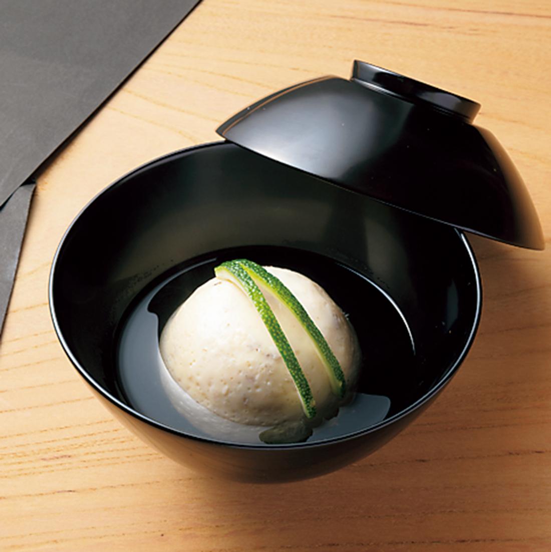 渡り蟹の玉子豆腐のお椀