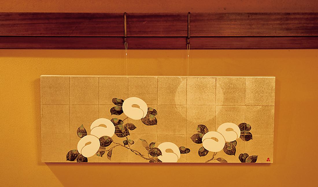 現代アーティスト品川亮氏の作品が母屋を飾る。