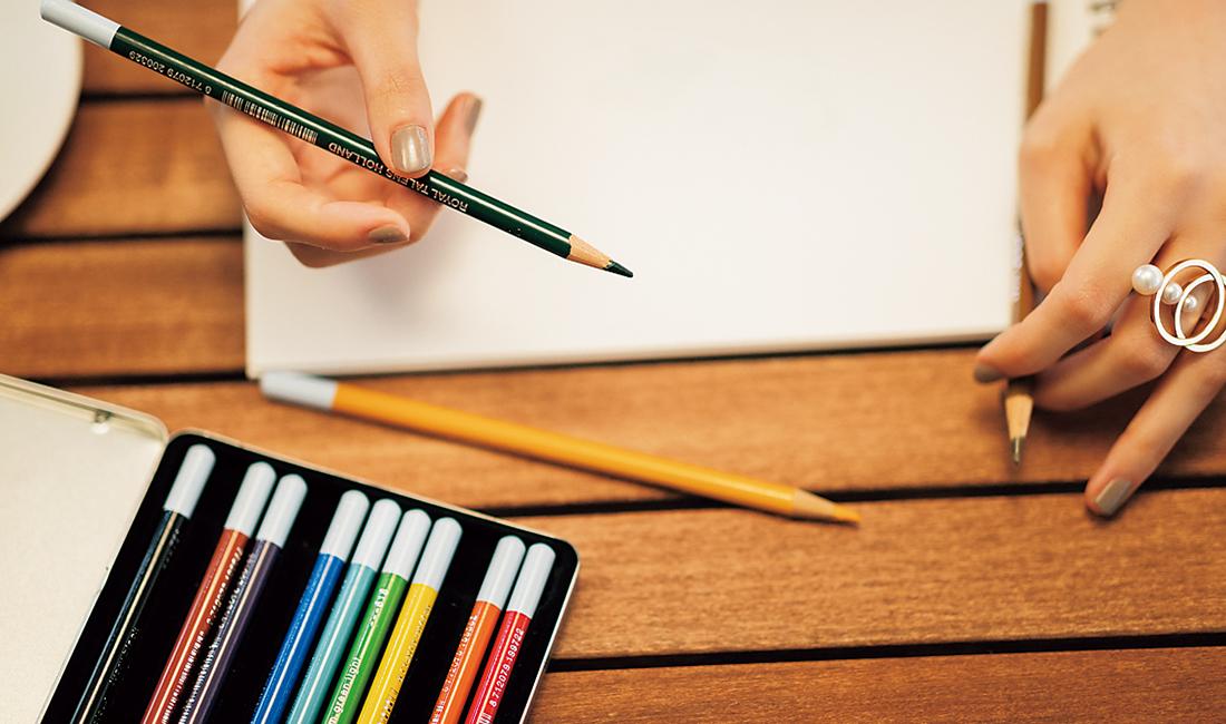 サラサラと絵を描き始めた西野さん