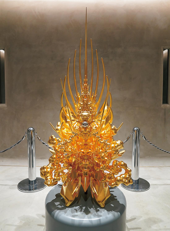 名和晃平の『Throne(g/p_pyramid)』