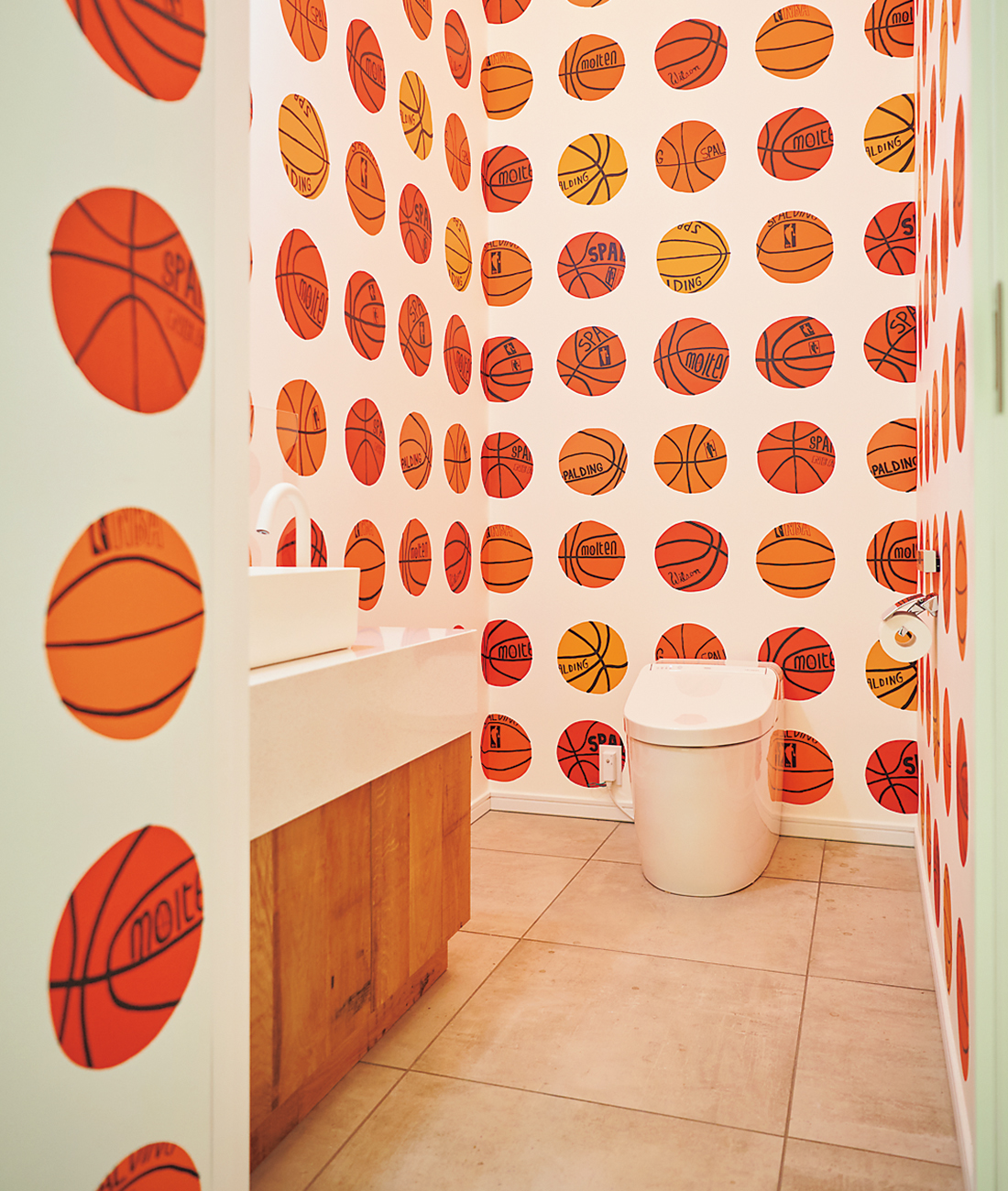 ジョナス・ウッドのスタジオにあるトイレ