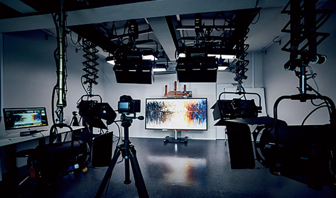 光学調査に対応できるスタジオ