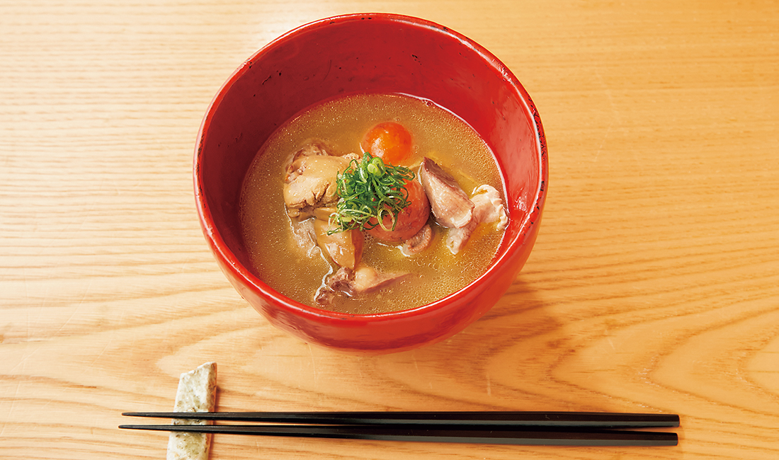 """""""釉月""""の「高原比内地鶏もつの鶏白湯スープ煮」"""