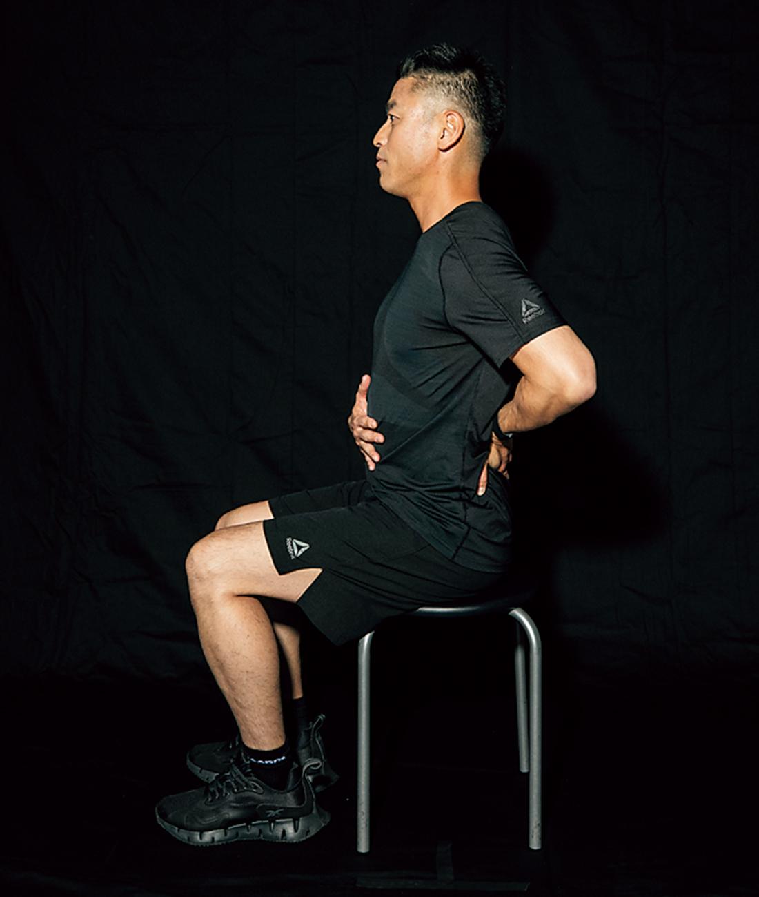 ◎ POINT 腹部前面だけでなく、背中1~2分や脇腹も360度風船のように膨らませるイメージで。