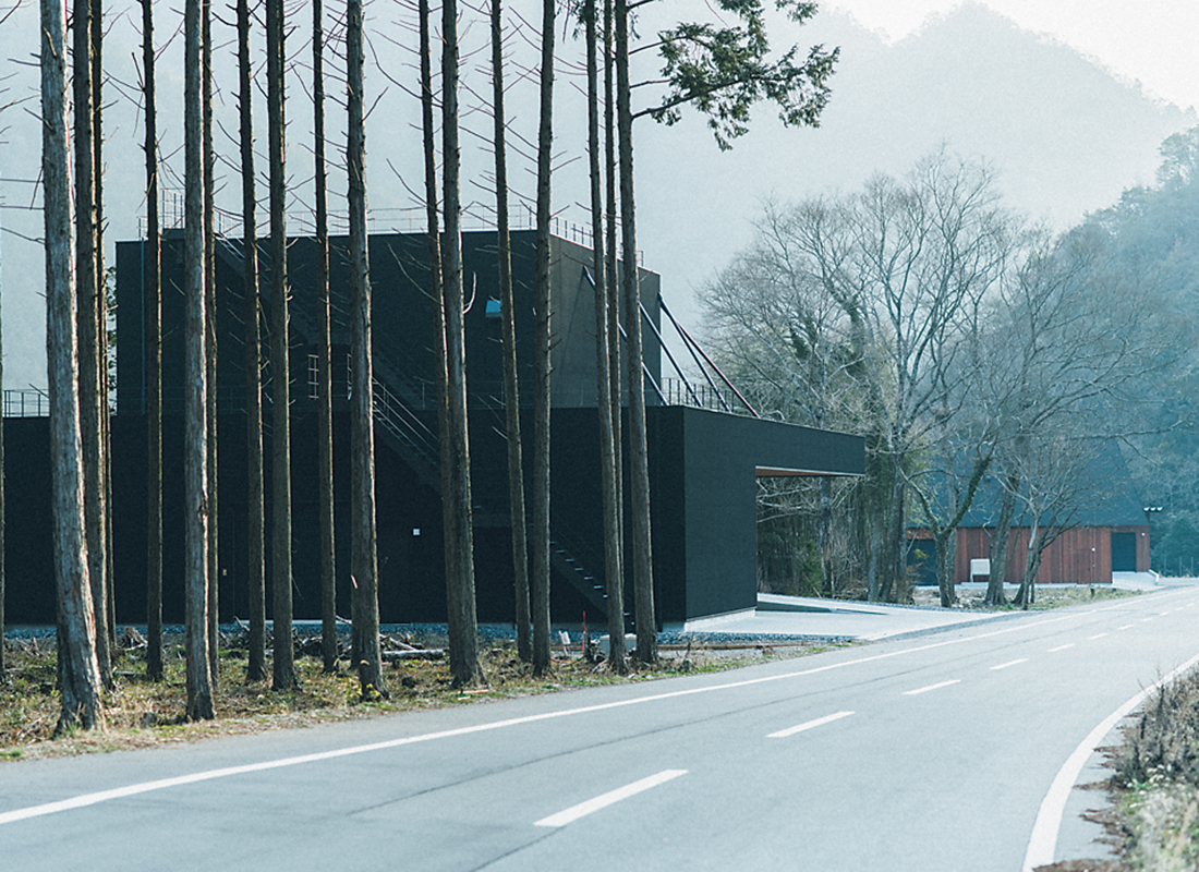 黒田庄の醸造施設は、農機具棟、精米棟、醸造棟と建屋がそれぞれ分かれている