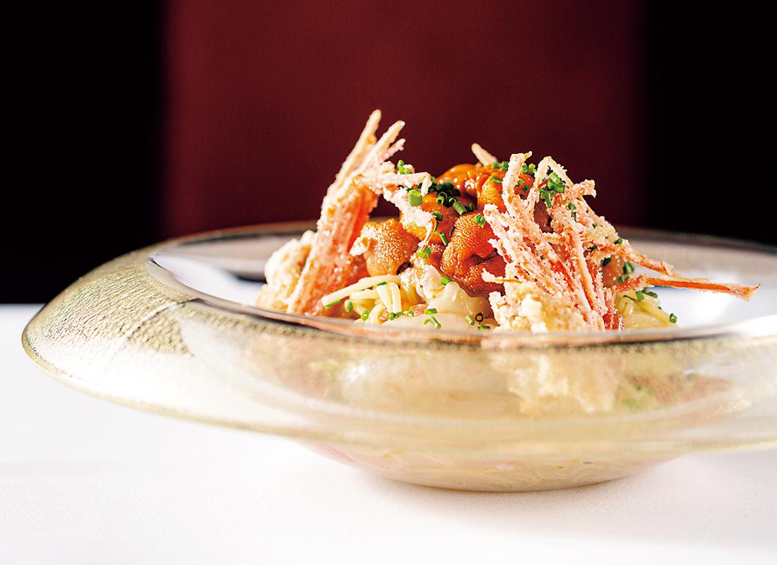 ボタン海老と生ウニ、アメーラトマトの冷製カッペリーニ